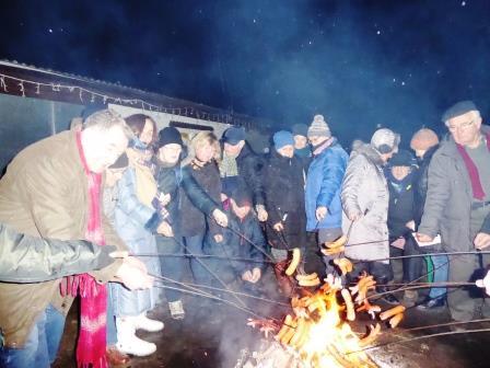 kiełbaski z ogniska (1)
