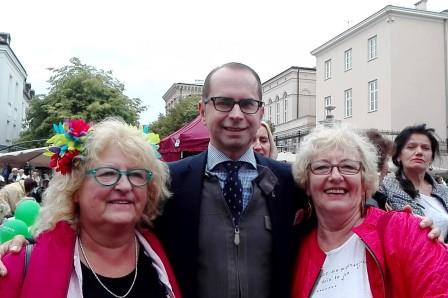 2017-09-02 Warszawa UW Parada Seniorow z poslem Szczerbą