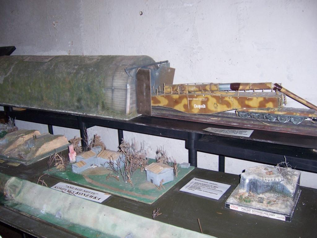 2017-09-19 schron kolejowy i bunkry w Konewce (2)