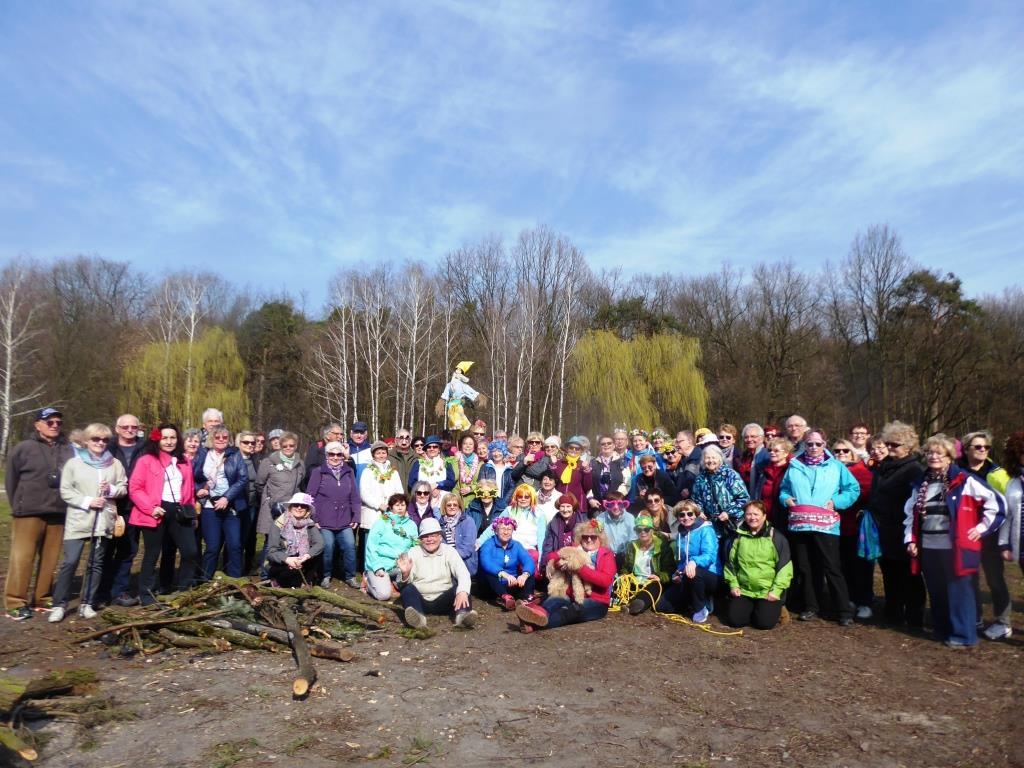 28-03-2017 grupa na polanie w Powsinie (1)