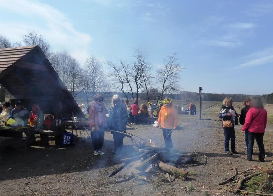 28-03 kielbaski z ogniska