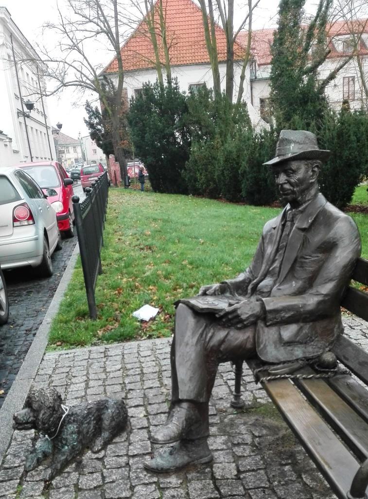 Pomnik - Jakub Chojnacki - Prezes Towarzystwa Naukowego Płockiego